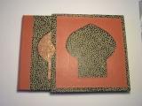 <h5>Livre d'Or</h5><p>Réalisé pour un Salon d'Esthétique - Thème oriental. Pose de mosaïque sur cuir, étui mosaïqué papier coordonné. Format carré  (21 X 21 cm).</p>